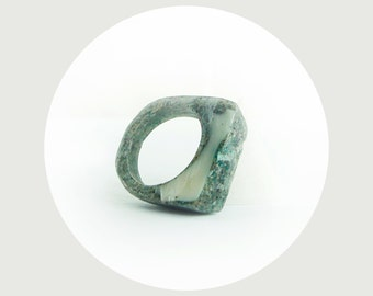 green granite geometric resin ring  - size 8