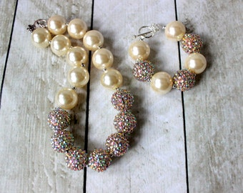 christmas chunky bead necklace and bracelet set gold  cream christmas bubblegum bead necklace matching bracelet set toddler birthday