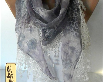 SALE ! 9,90 USD Elegant Scarf with Trim Edge- gift Ideas For Her Women's Scarves-christmas gift- for her -Fashion accessories