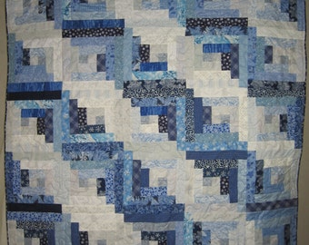 Winter Theme Log Cabin Throw Quilt, Blue and White