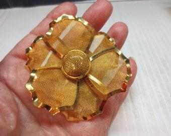 Flower Brooch/Pendent Vintage Modernist Pin Gold Tone Mesh
