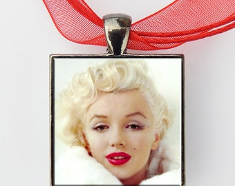 Marilyn Monroe Necklace Pendant Jewelry Glass Art Glass Pendant Silver Finish Chain Necklace Metal Finish Square Pendant Handcrafted Design