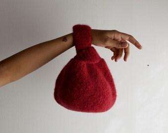 Le Petit Knot Bag. Fait en 2h.Explications en Français. Sac en laine feutrée design japonais. Un résultat bluffant facile à réaliser.