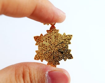 Gold-plating Snowflake Necklace, Christmas Decoration Necklace Pendant