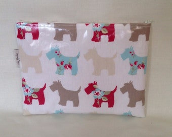 iPad bag padded handmade in Scottie dog oilcloth