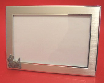 """Scottish Terrier Landscape Picture Frame 4"""" x 6"""" With Hand Cast Pewter Motif Mother Father Scottie Gift"""