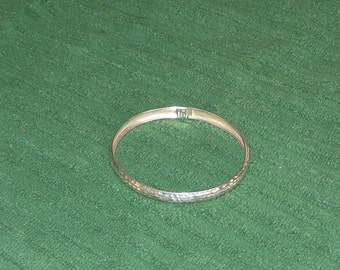 Sterling silver 925 hammered finish bangle bracelet