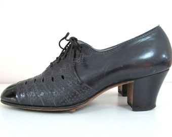 1940s High Heel Navy Oxfords