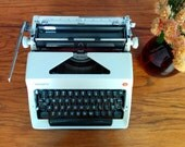 Olympia SM9 Deluxe White Manual Typewriter - Working Typewriter - Nearly Flawless - FREE SHIPPING