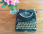 Remington Portable Working Typewriter - Gloss Black- Antique Remington Typewriter - FREE SHIPPING