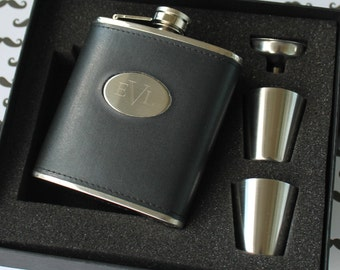 Personalized Black Leather Flask Set - Groomsmen gift, Father's Day Gift, Wedding Party Gift