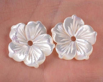 g0929 2pcs of 18mm Mother of pearl MOP shell carved flower beads
