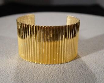 Vintage Art Deco Style Yellow Gold Tone Cuff Bracelet Ribbed Jewelry        K