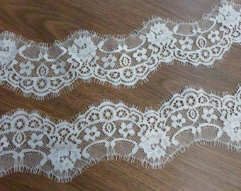 Off white eyelash lace scalloped floral lace trim 2.75 inches wide 3 yards
