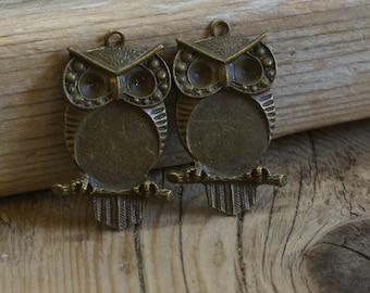 1970's Owl Pendant / Cabochon - Antique Brass 20mm  x 30mm - 1 Pendant