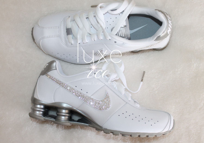 00fca6fc1d3105 white glitter nike shox
