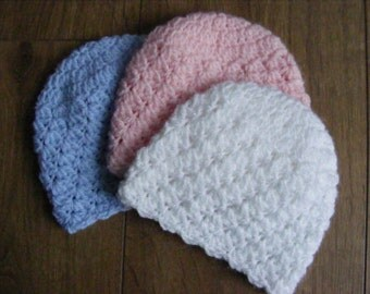 Instructions to Crochet a Prettty Newborn Baby Hat Using an Easy Pattern