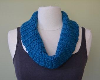 Crochet Infinity Scarf: Turquoise; Crochet Cowl; Handmade Scarf; Handmade Cowl; Turquoise Cowl