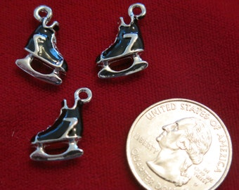"""5pc """"ice skate"""" charm in antique silver style (BC346)"""