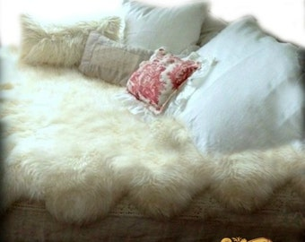 Faux Fur Bedspread  Scalloped Off White Shag Sheepskin Pelt Throw - Soft Minky Cuddle Fur Lining  - Fur Accents USA