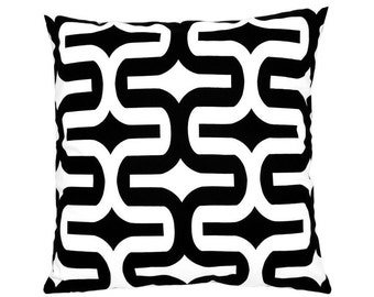 Cushion cover graphic pattern EMBRACE 40 x 40 cm black and white