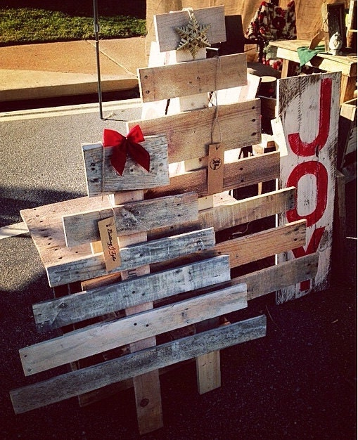 Outdoor Christmas Decorations With Pallets : Pallet christmas tree rustic decoration