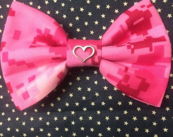 Pink Camo Bow with/without charm