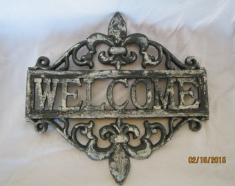 Fleur de lis Welcome sign, Cast iron welcome sign, Estate welcome sign, Shabby chic, Vintage look, Aged welcome sign, Modern Vintage