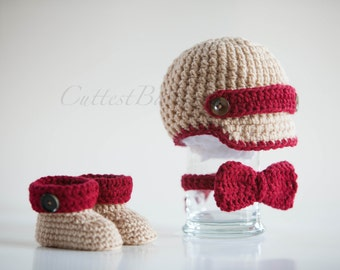 Baby Boy Crochet Newsboy Hat with matching Boots & Bow. Photo Prop 0-3, 3-6