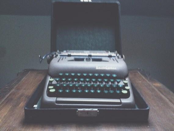 smith corona silencieux vintage machine crire portable. Black Bedroom Furniture Sets. Home Design Ideas