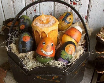 Halloween Eggs and Treat Basket by Terrye French, E-Pattern