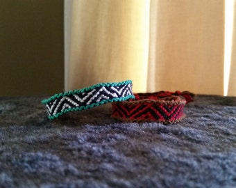 Bordered Zig Zag Friendship Bracelet