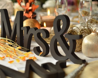 Black Mr and Mrs wedding signs, wooden Letters for Sweetheart Table, wedding signs, Wedding decoration