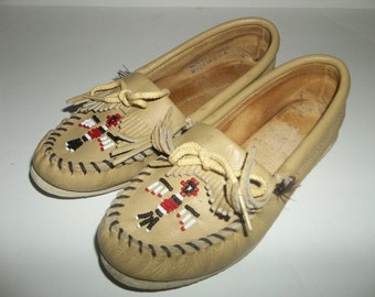 Vintage Leather Minnetonka Beaded Moccasin Slip On's 1980's, Size 5