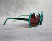 Big sunglasses of the 80s  Eyewear turquoise