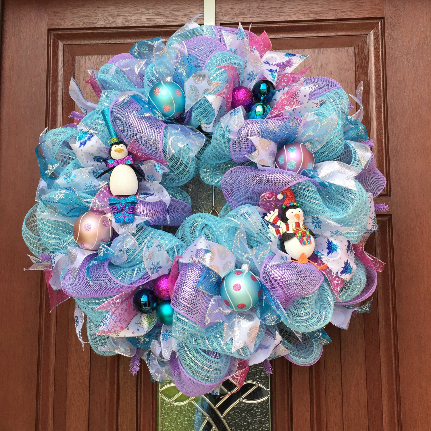 Purple and blue christmas decorations -  Zoom