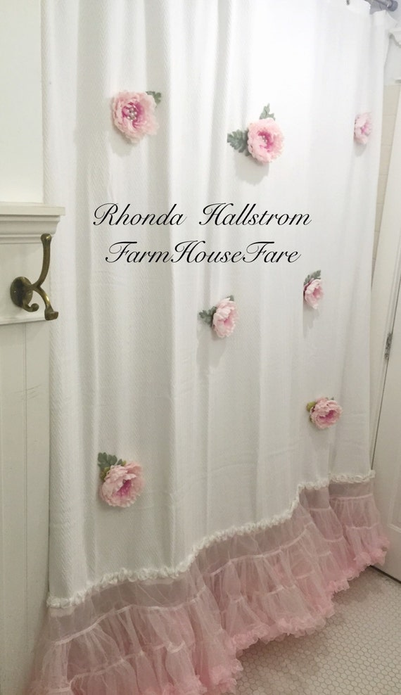 Custom altered shower curtain long pink flower par for Bathroom traduction