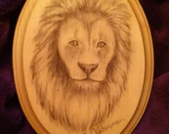 "Lion drawn on wooden oval plaque 5""x7"" gloss finish"