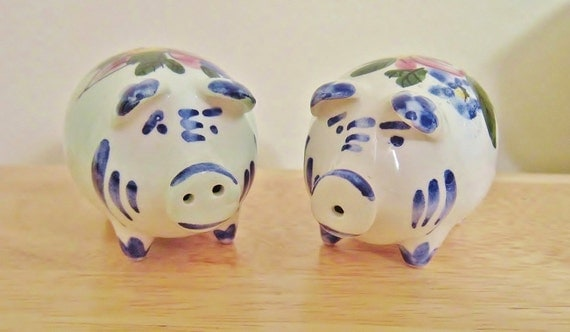 Portugal piggy s p shakers colorful handpainted ceramic Colorful salt and pepper shakers