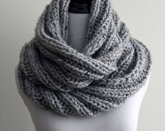 Chunky knit scarf, chunky knit scarf in grey marble, knitted circle scarf, knit eternity scarf, hand knit scarves