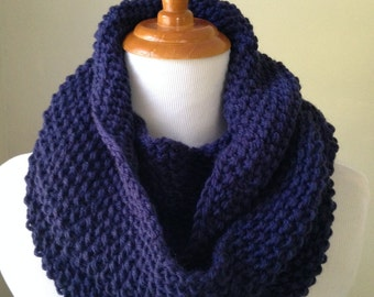Navy Blue Hand Knit Wool Infinity Circle Scarf, Cowl.