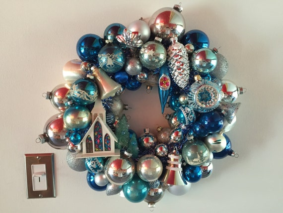 Vintage christmas ornament wreath blue silver with alpine