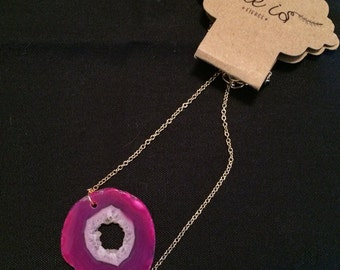 Mini Agate Necklace (Fuchsia Geode Center)