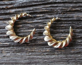 Vintage Gold Tone Spiral Pierce Earring Loops