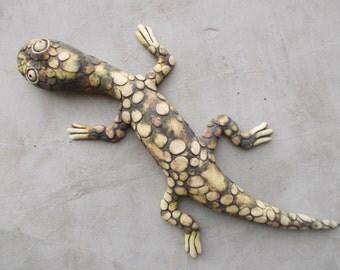Ceramic gecko