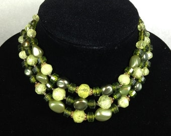 1960's Vintage Green Choker Necklace