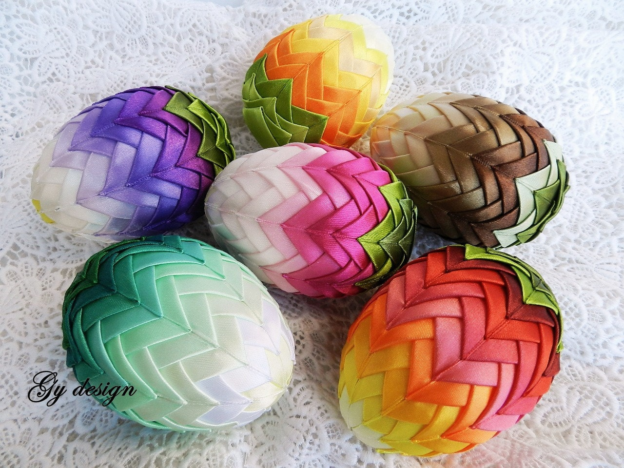 ombre easter egg decoration quilted ornaments ornament egg. Black Bedroom Furniture Sets. Home Design Ideas