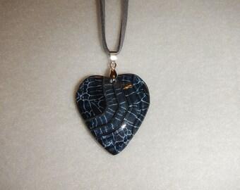Heart-shaped Black & Gray-White Veined Onyx Agate pendant (JO249)