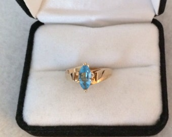 Stunning 10k Gold Blue Topaz Marquise Gemstone Ring Unique Contemporary Design
