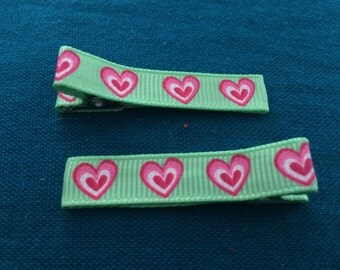 Pair of Green and Pink Heart Grosgrain Ribbon Partially Lined Alligator Hair Clips